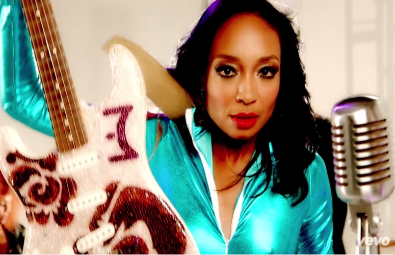 World Renown Guitarist Malina Moye Drops Video, 'Are You The One'