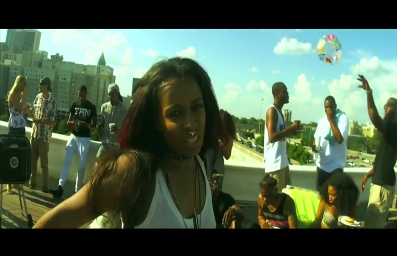 Shanell & Friends Have Sunny Fun In 'Fraud' Video