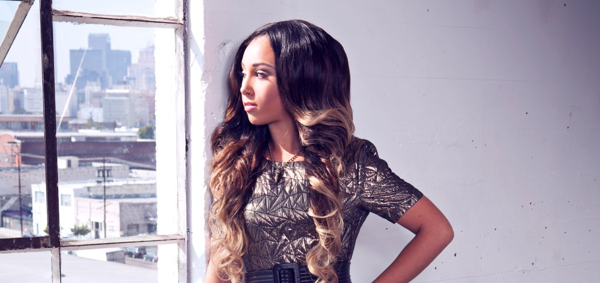 oregon-bred-singersongwriter-whitney-mcclain