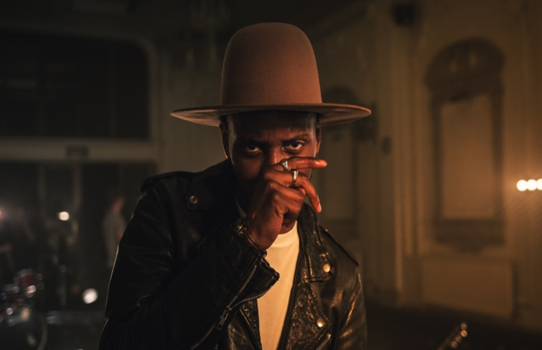 Watch Samm Henshaw's Dope Jam Session 'Our Love' Video