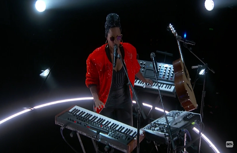 Alicia Keys Shows Her Musicianship With 'In Common' Performance at 2016 BET Awards