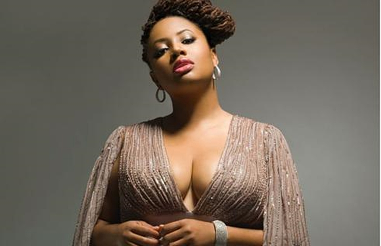 Lalah Hathaway Does Some Self-Reflection In The 'Mirror'