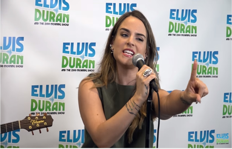 JoJo Gives Acoustic Performance Of 'F*ck Apologies' on The Elvis Duran Show