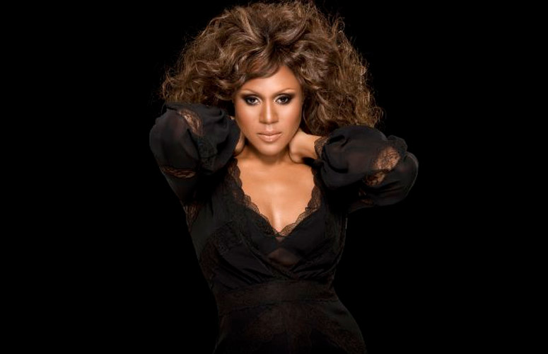 deborah-cox-the-bodyguard-whiteney-houston