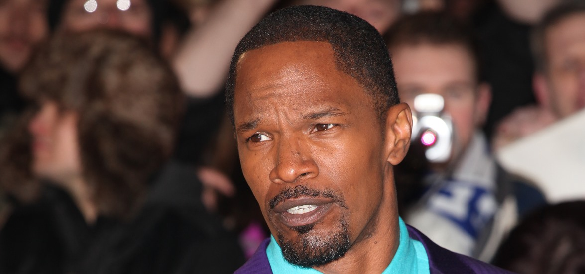 Report: Jamie Foxx Chokes Man After He Attacked The Star in a Restaurant (Video)