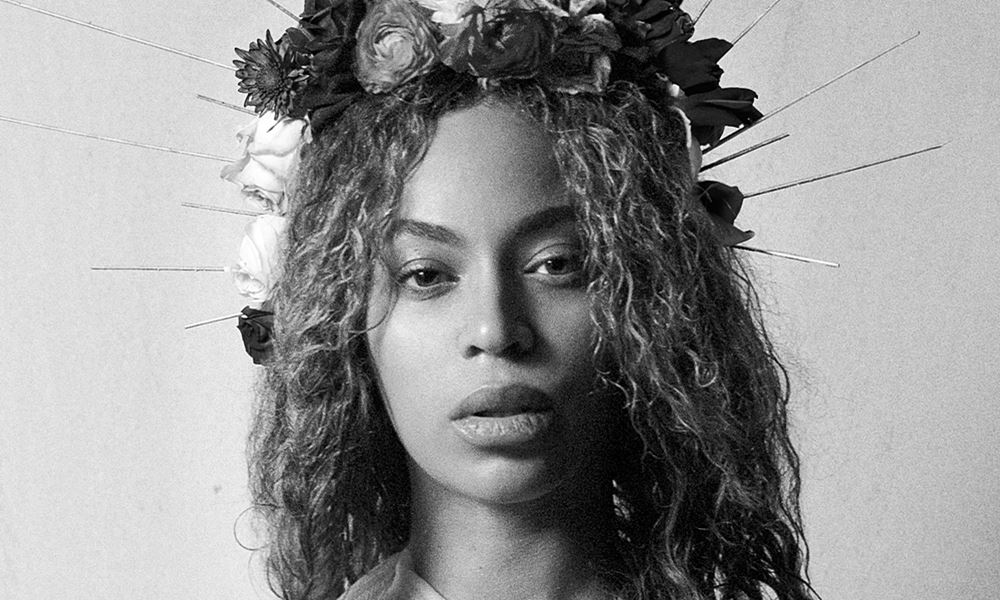 Beyonce Shares More Stunning Pregnancy Photos!