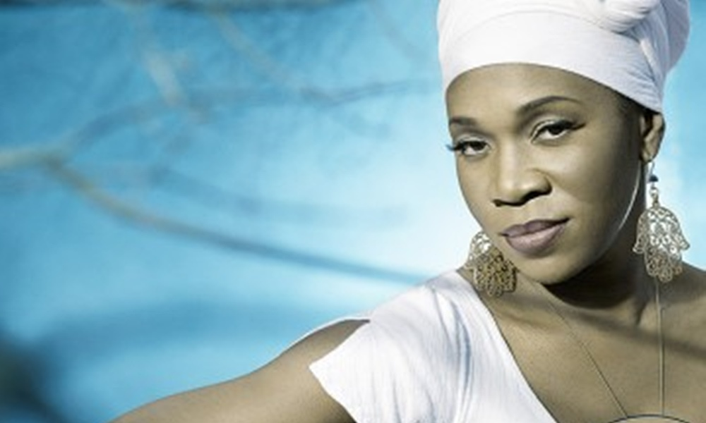 Songstress India.Arie Sends A Message Of Love In 'One' Video