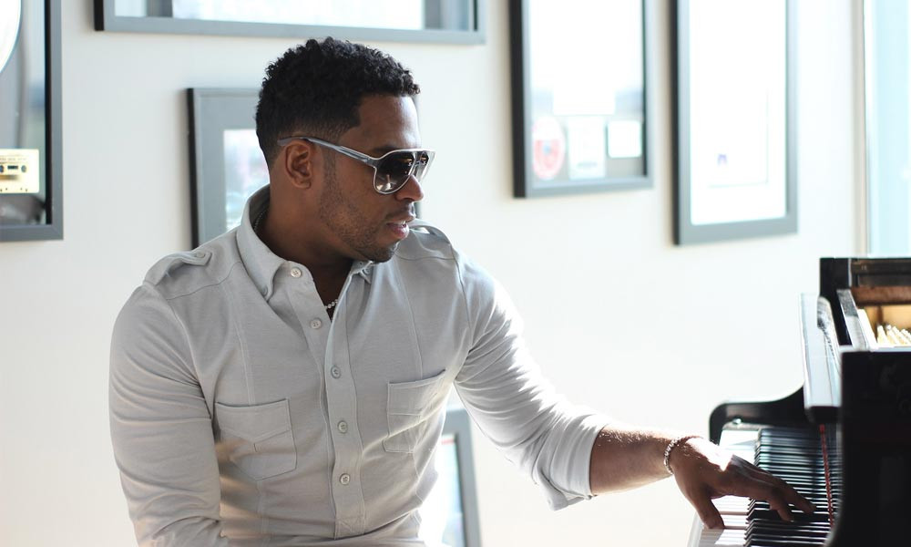 Bobby V Inks Multi-Million Dollar Record Deal With Universal; Preps New Album For 2018
