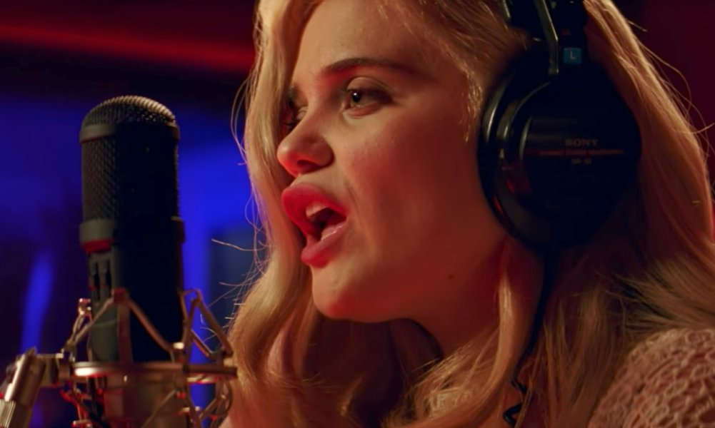 Sky Ferreira Cover The Commodores' 'Easy' in New Video