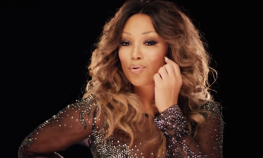 """Chante Moore Drops Sexy Video For Holiday Single, """"Cover Me In Snow"""""""