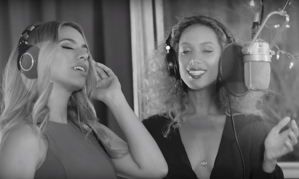 Leona Lewis & Dinah Jane (of Fifth Harmony) – Christmas Medley