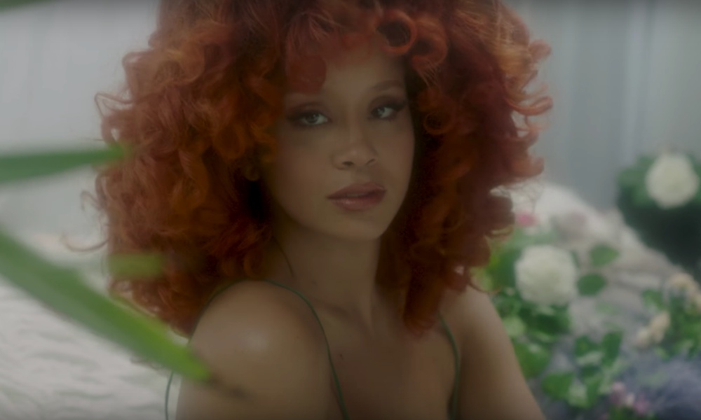 lion-babe-honey-dew-video
