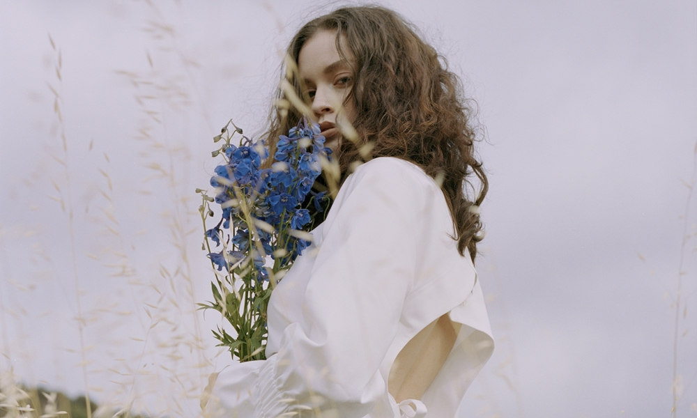 "Sabrina Claudio Releases Personal New Project ""No Rain, No Flowers"""