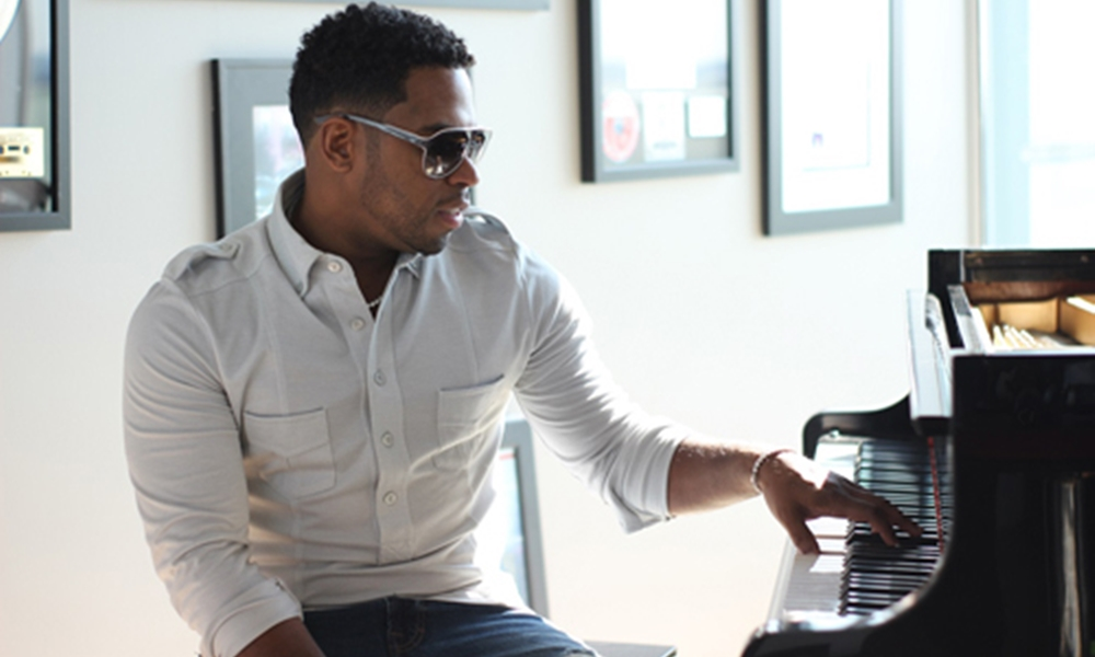 Bobby V Shares His 'Beautiful Life' In New Video