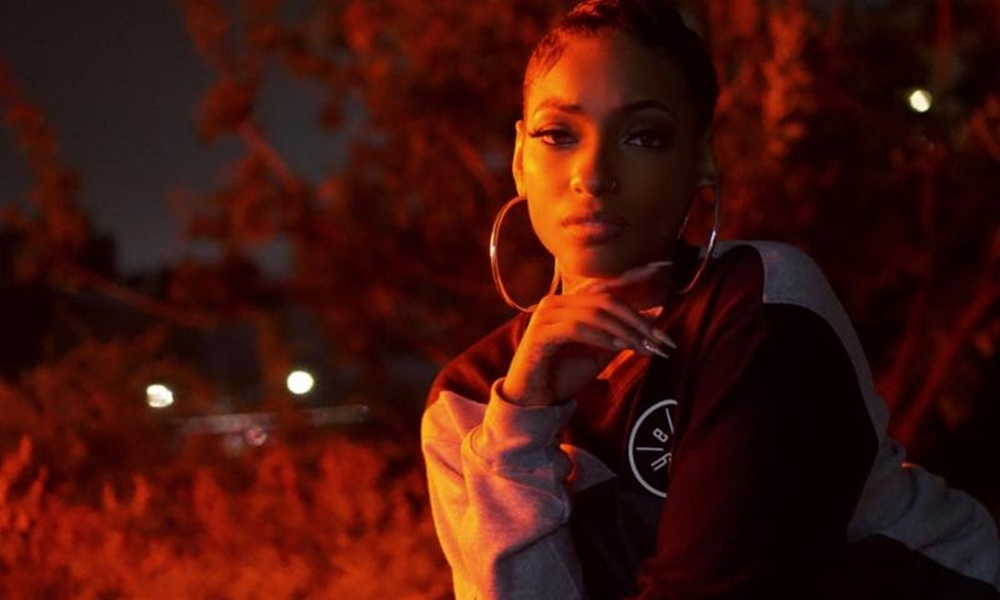 LeA Robinson Gives Us The R&B 'Gin N Juice' With 'Sorry' Video