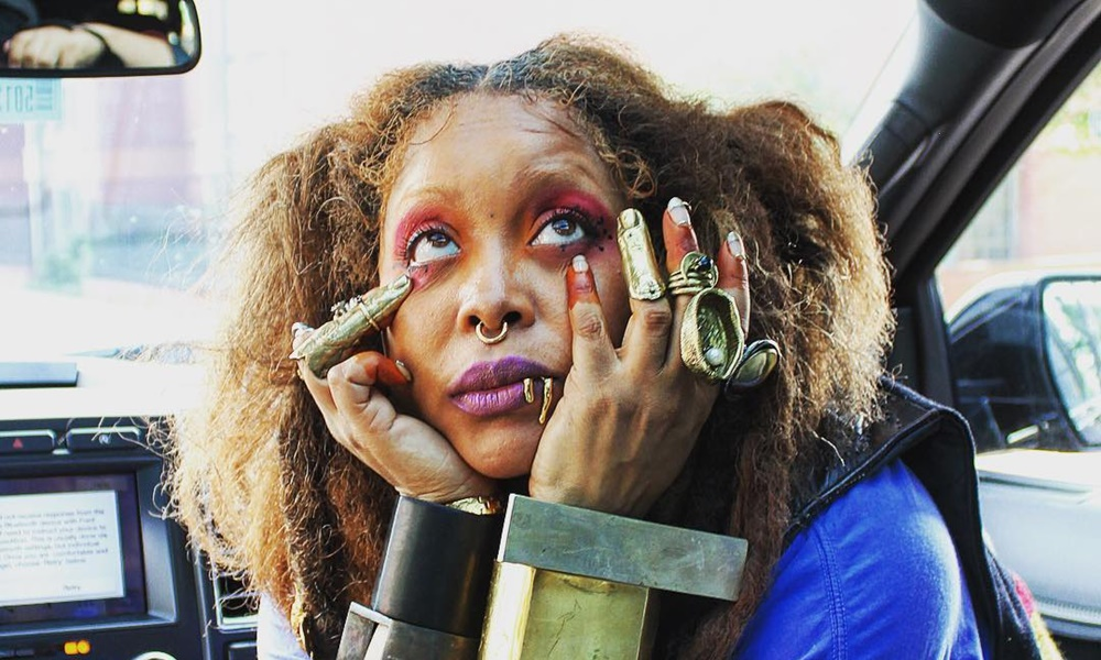 Erykah Badu Hits Back at Critics; Not Supporting R. Kelly But Wants Healing For Him & Victims
