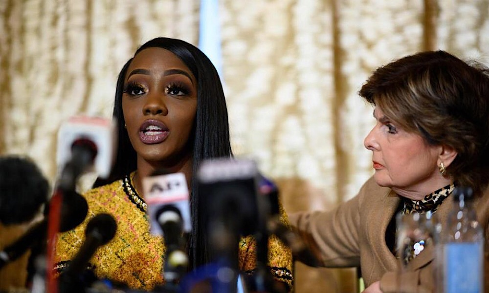 """R. Kelly Victim Accuses Singer Of Threats: """"No Woman Should Be Victim-Shamed"""""""