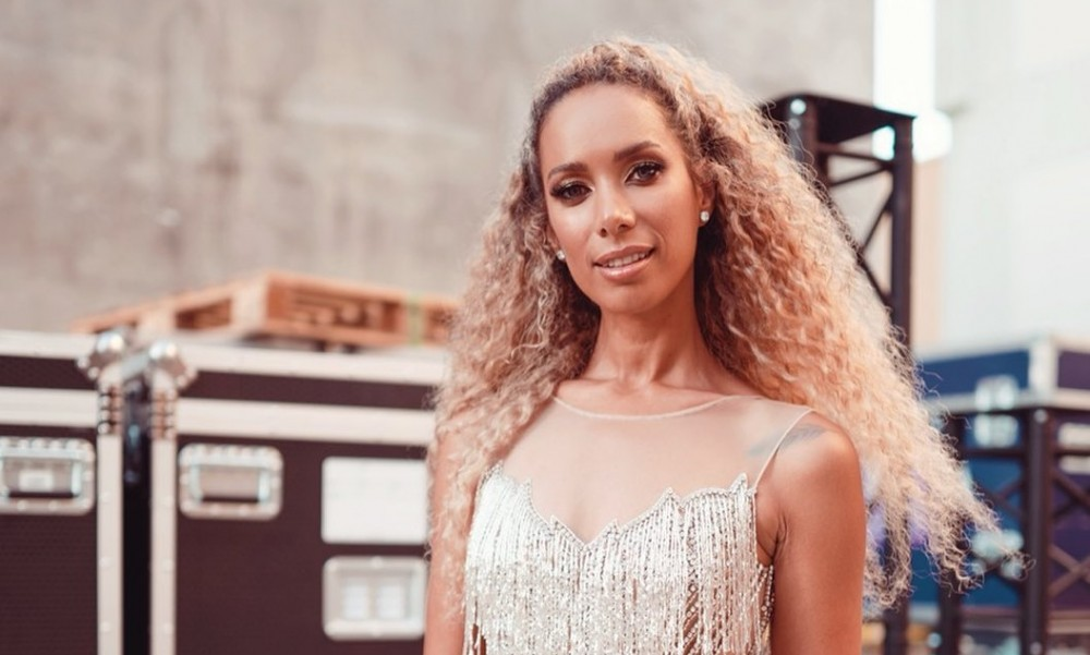 "Leona Lewis Brightens Up the Holiday Season With ""One More Sleep"" (Lyric Video)"