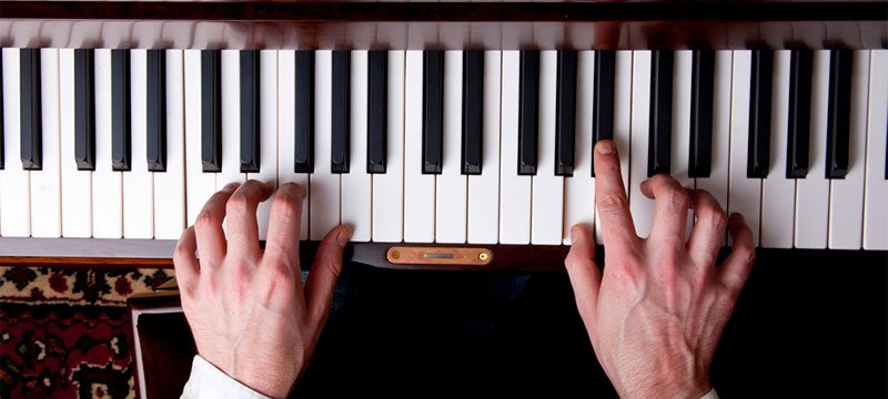 How Singers Can Teach Themselves Piano Basics